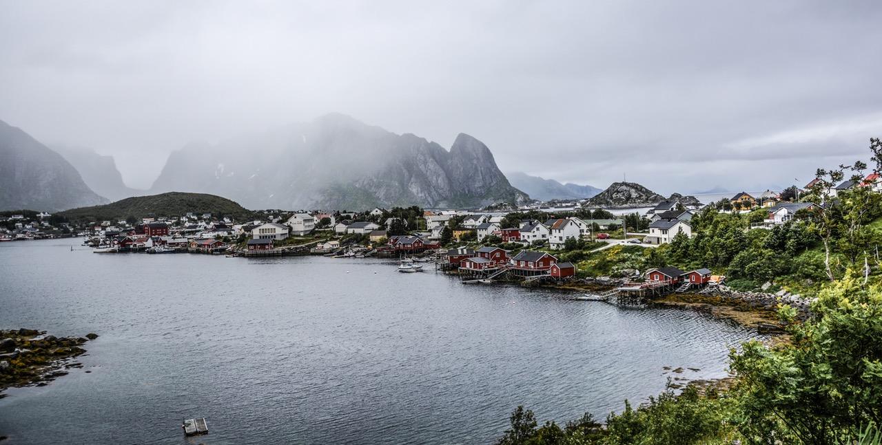 Nordmenn netthandler mest i Norden
